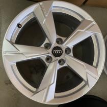Original Wheels&Tires 4K 601 025 D 8x18 5x112 ET 39 Dia 66,6 (Silver)